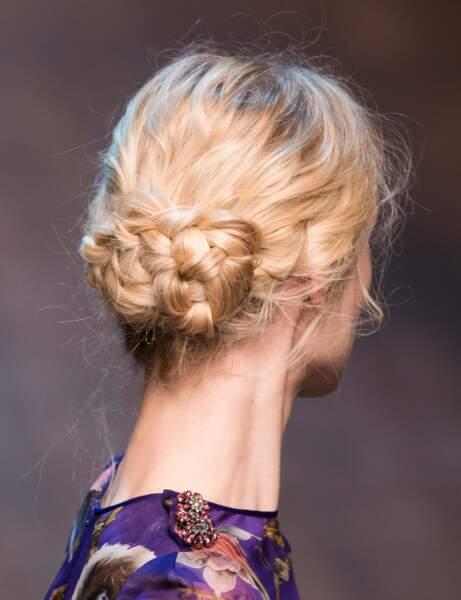 Le chignon tressé du défilé Dolce end Gabbana