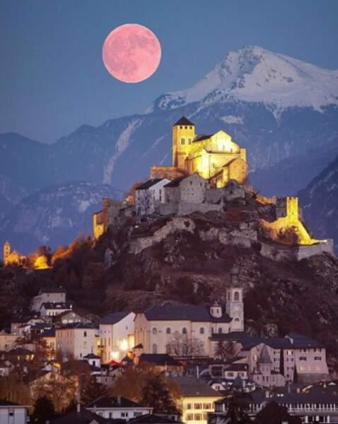 Le canton du Valais (Suisse) au clair de lune