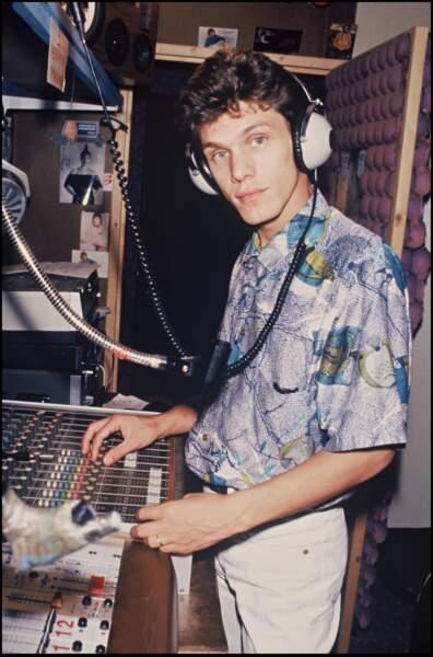 Marc Lavoine en studio en 1984.