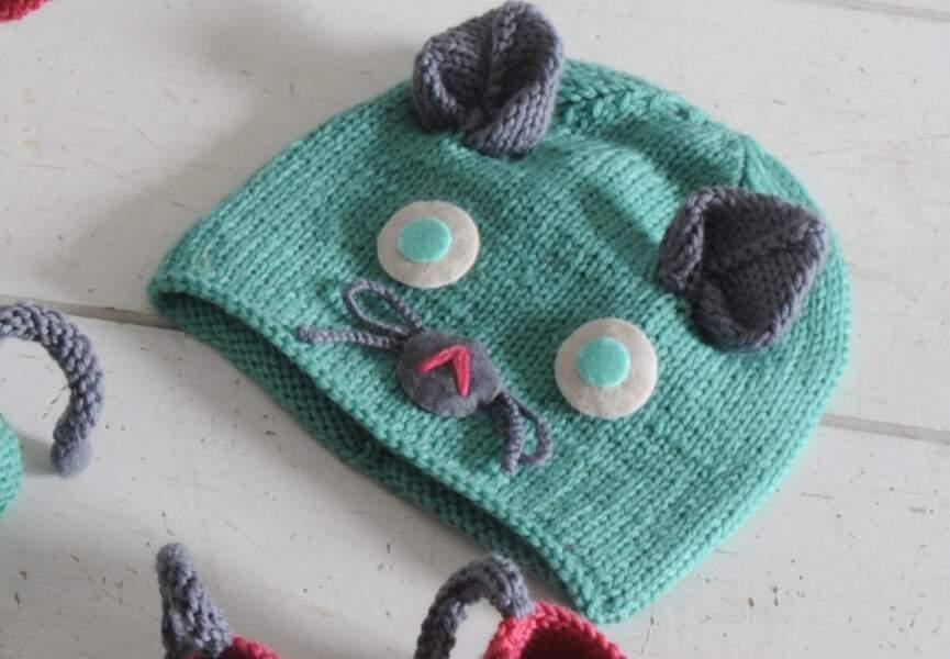 Un bonnet chat à tricoter pour bébé