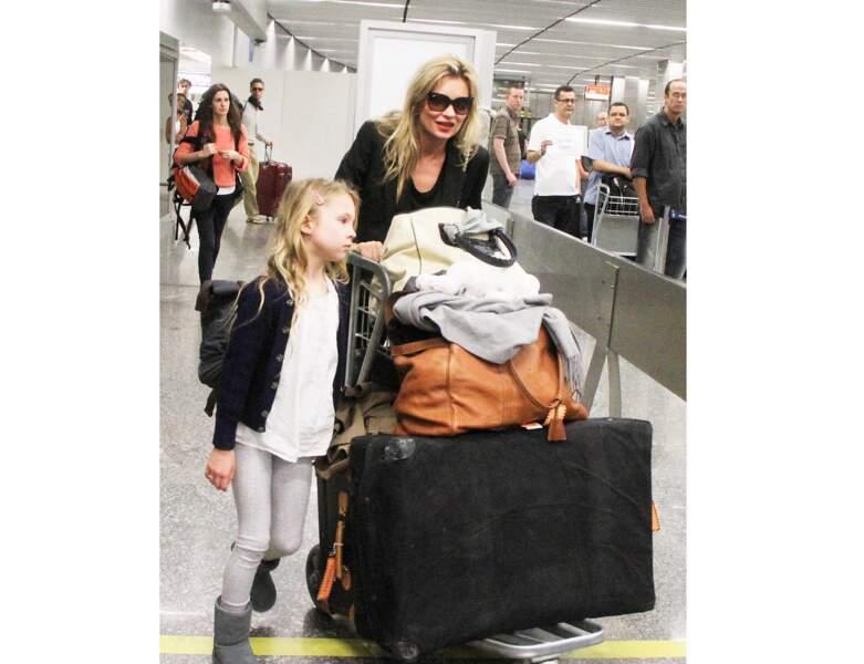 Toujours en voyage, la mère et la fille sont aperçues au Brésil