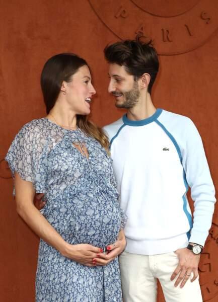 Pierre Niney et sa compagne Natasha Andrews enceinte de leur 2ème enfant  le 9 juin 2019