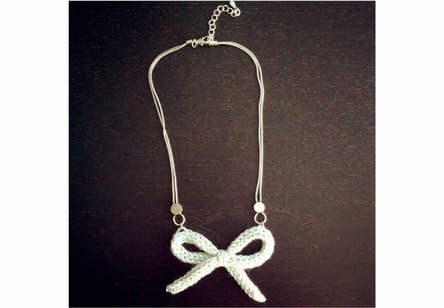 Un collier noeud au tricotin