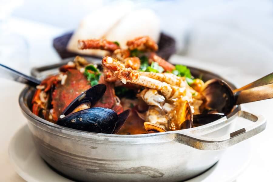Les crustacés décortiqués vendus cuits