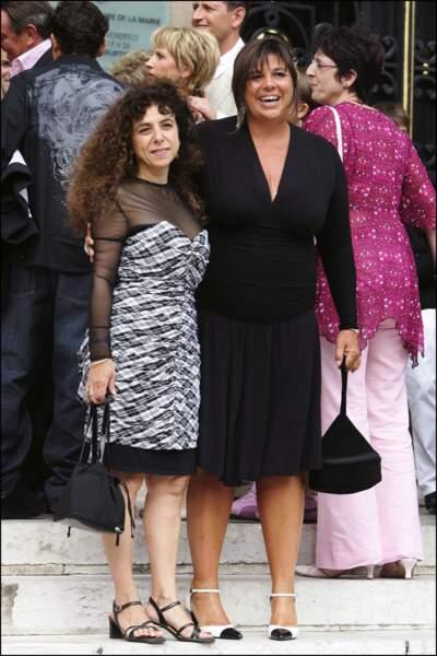 Michèle Bernier et Isabelle de Botton au mariage de Mimie Mathy en août 2005.