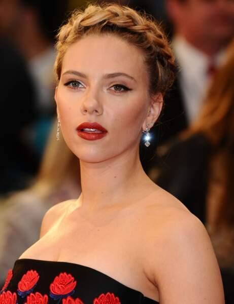 Un rouge grenat comme Scarlett Johansson