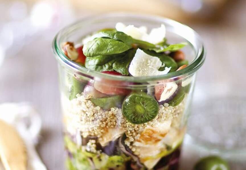 Salade tonus poulet grillé quinoa et mini-kiwis