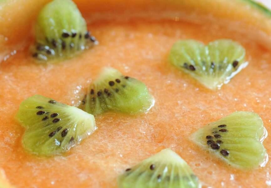 Soupe de melon aux coeurs de kiwi