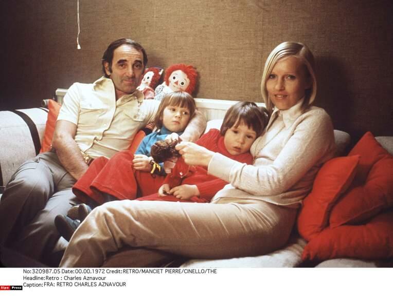 Charles Aznavour avec sa femme Ulla Thorsell, leur fille Katia et leur fils Misha