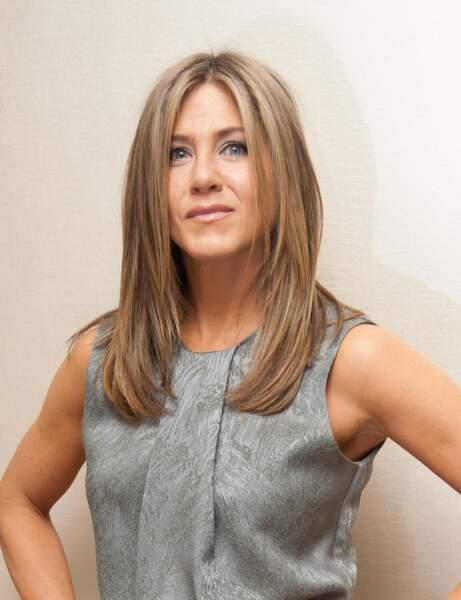 Visage triangulaire tête en haut : le dégradé bas de Jennifer Aniston