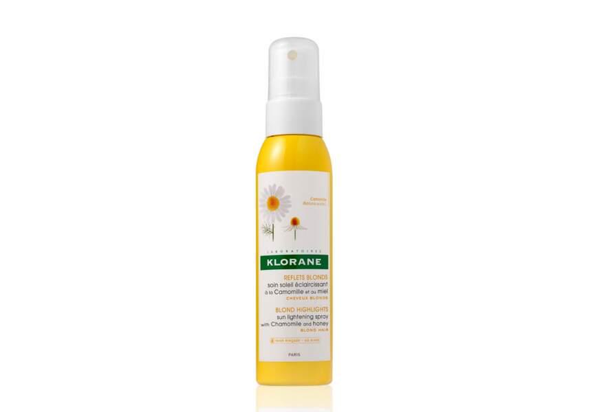 Le spray éclaircissant pour cheveux sans eau oxygénée Klorane