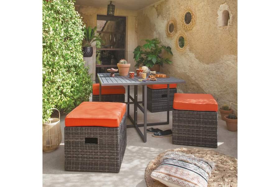 Un salon de jardin compact