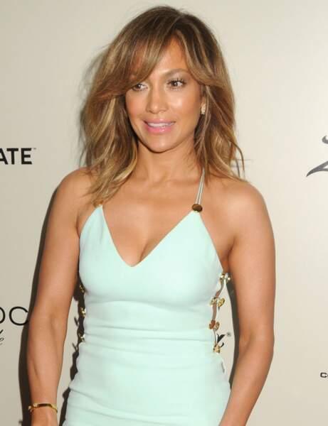 Le carré long avec frange de Jennifer Lopez