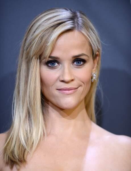 Visage triangulaire tête en bas : le dégradé-frange de Reese Witherspoon