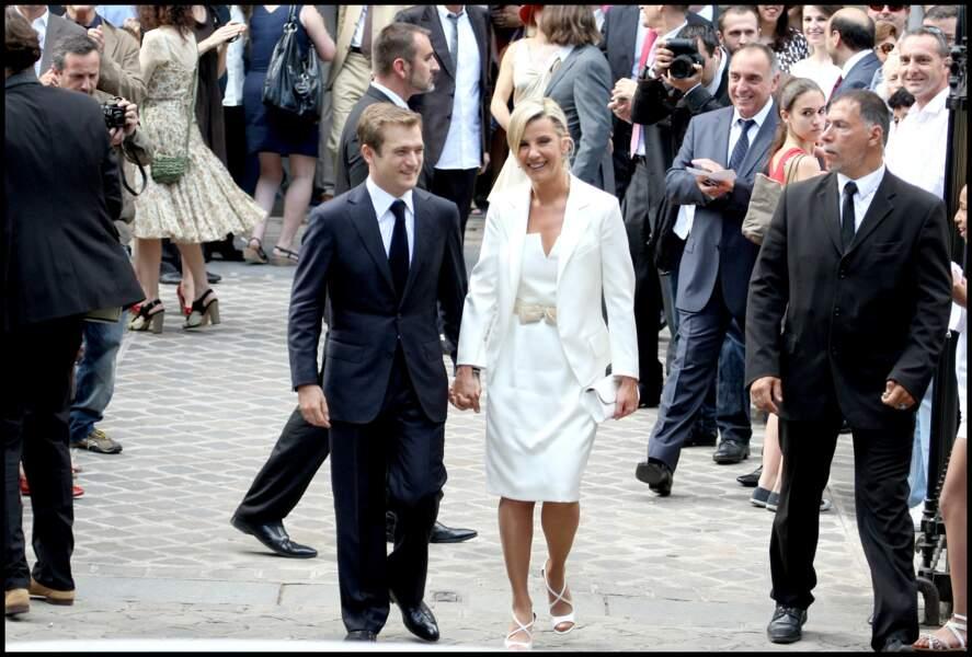 Laurence Ferrari et Renaud Capuçon le jour de leur mariage à la mairie du XVIème arrondissement (3 juillet 2009)