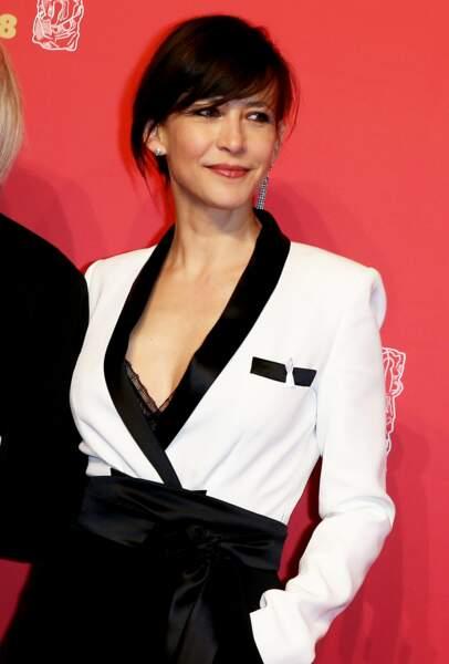 Sophie Marceau en 2018 chic en noir et blanc