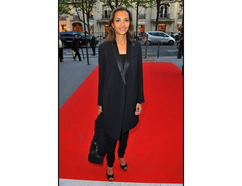 En 2010 à 42 ans, Karine Le Marchand foule le tapis rouge
