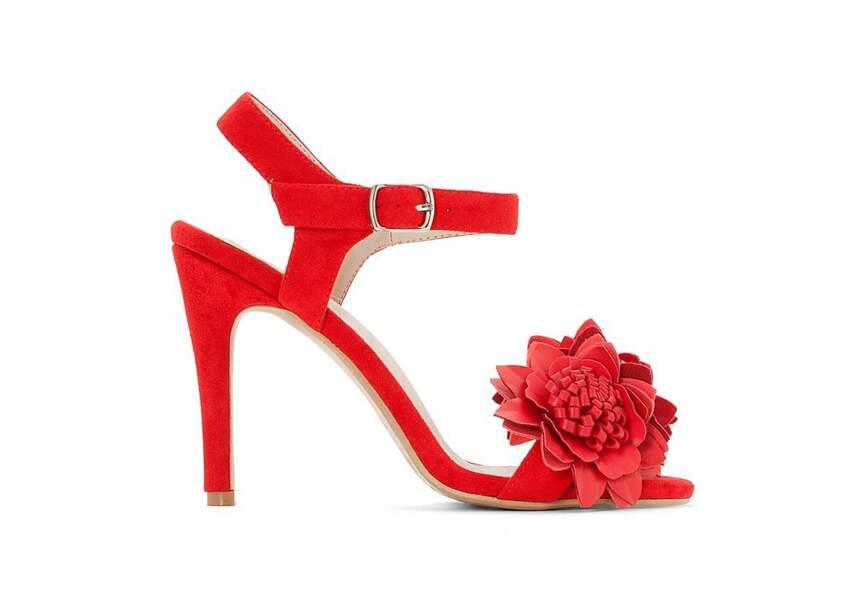 Accessoire tenue de mariage & cérémonie : sandales fleuries