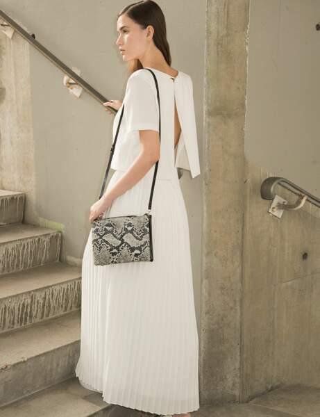 Robe blanche : plissée