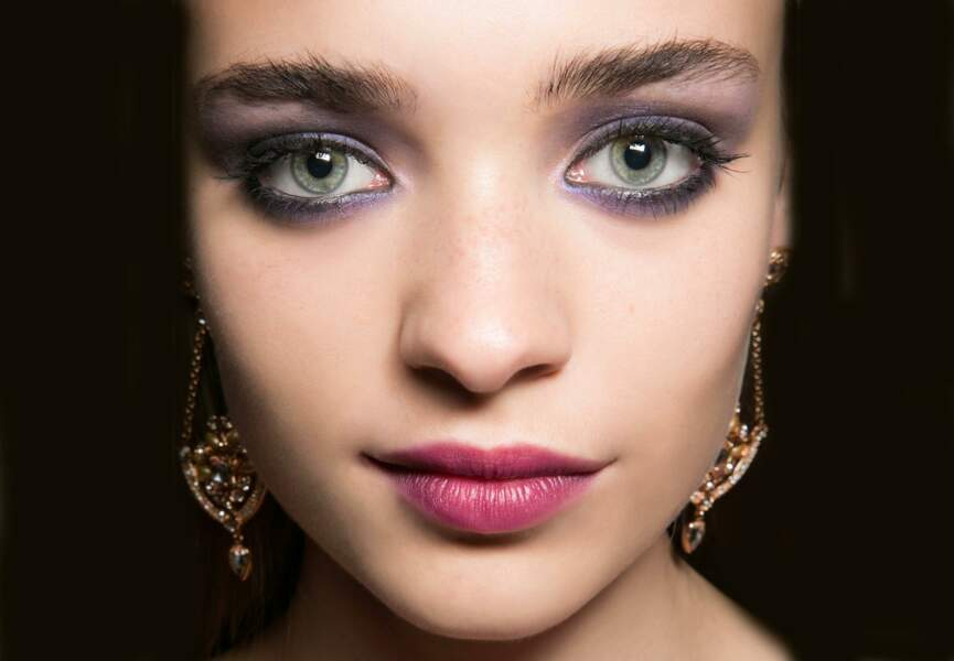 On ose le maquillage violet