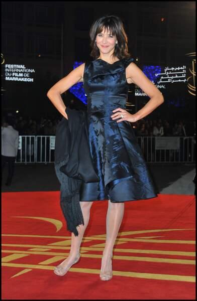 Sophie Marceau en 2010 en robe marine