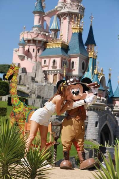 Iris Mittenaere rend honneur à la sortie du nouveau film Le Roi Lion à Disneyland Paris