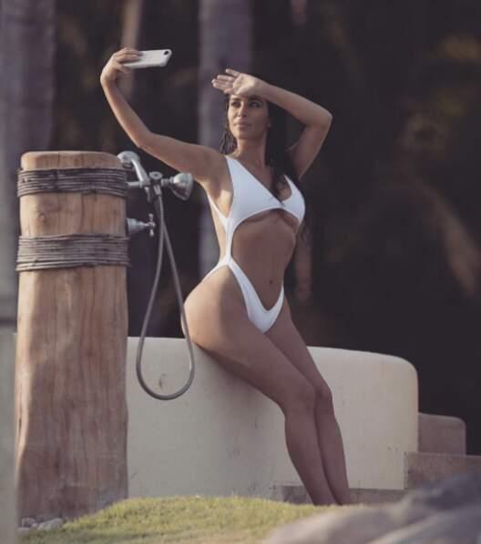 La reine du selfie sexy, Kim Kardashian, a encore frappé