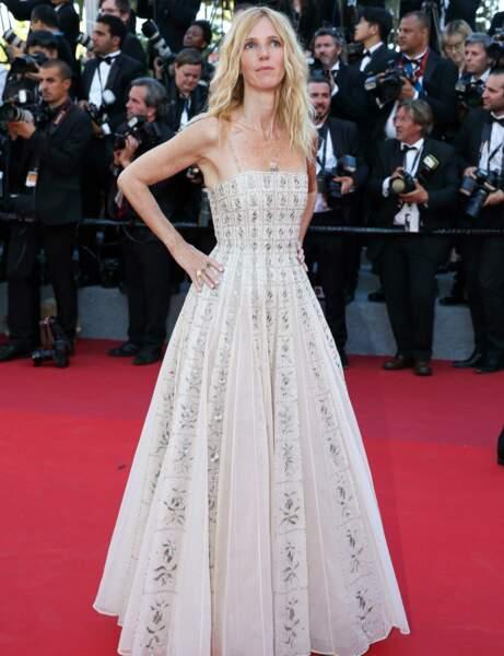Sandrine Kiberlain en robe blanche Dior