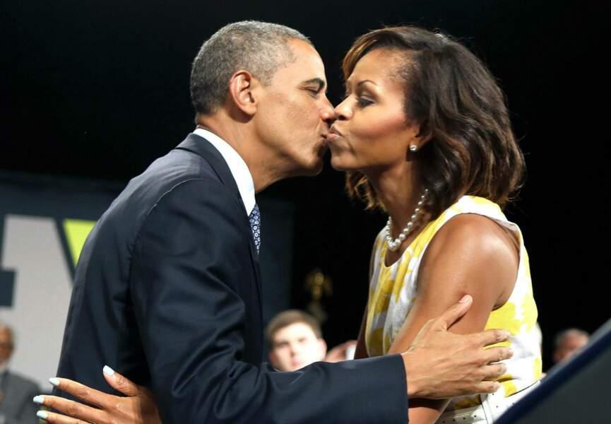 Et embrasse légèrement Barack