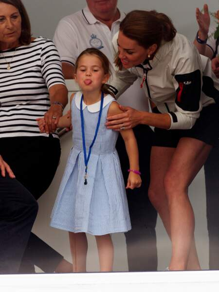 La princesse Charlotte et Kate Middleton à la régate King's Cup à Cowes, le 8 août 2019