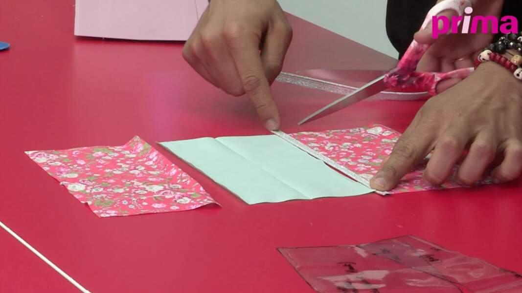 Coupez le passepoil de la longueur du tissu en laissant un excédant