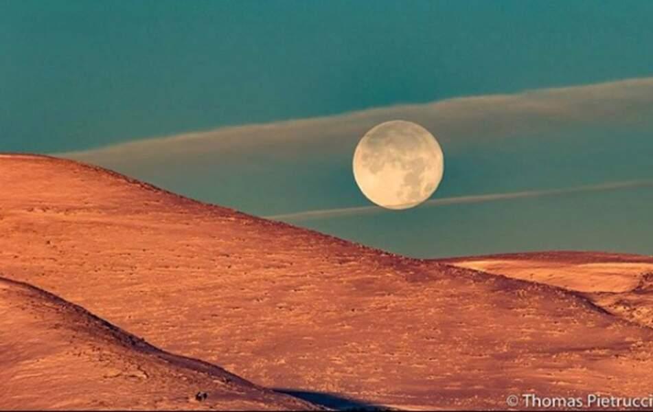 Une éclipse lunaire totale particulièrement rare par sa taille  (Vercors)