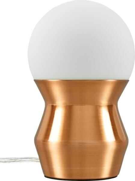 lampe en métal cuivré