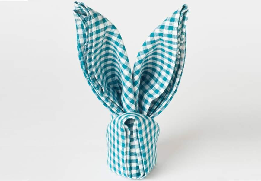 Pliage de serviette en forme de petit lapin
