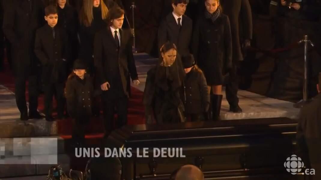 Céline Dion, entourée de ses trois enfants