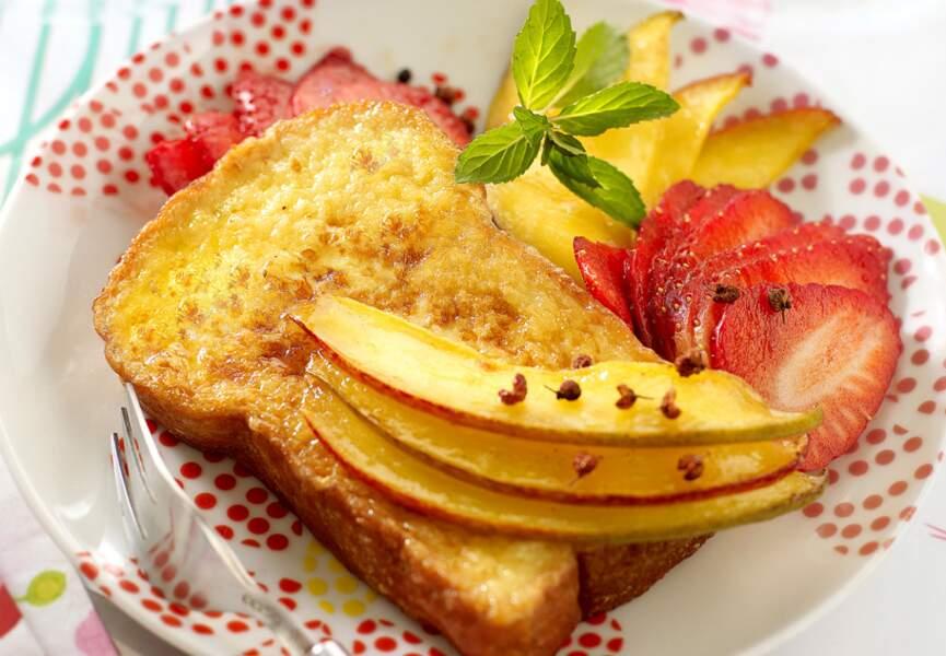 Brioche perdue aux mangues et fraises
