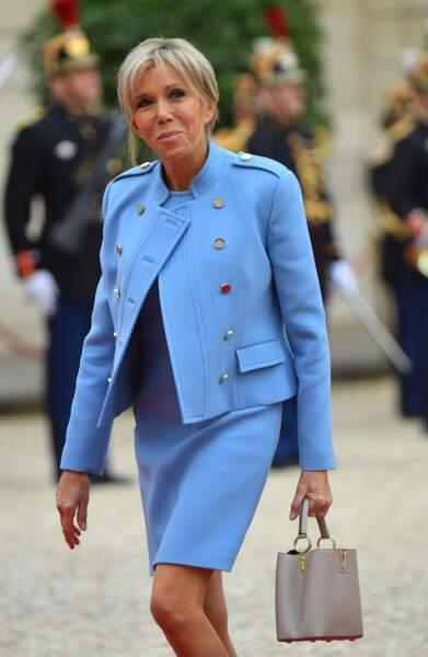 Brigitte Macron, ravissante pour l'investiture d'Emmanuel Macron