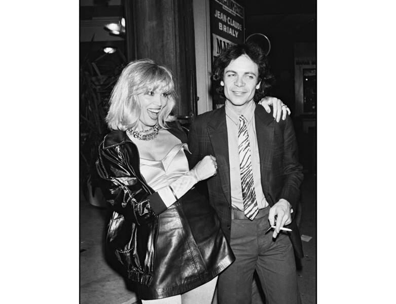 En 1980, Amanda Lear arbore une frange