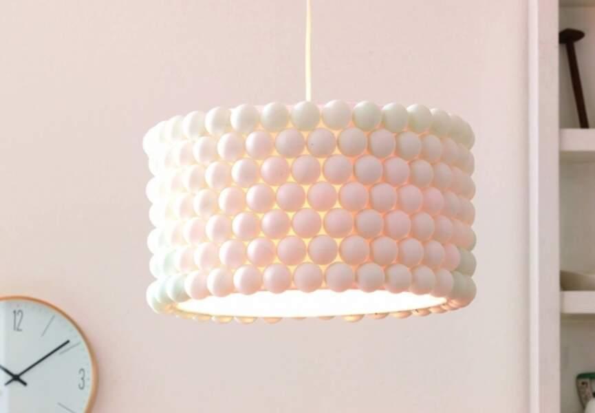 La lampe en balles de ping-pong