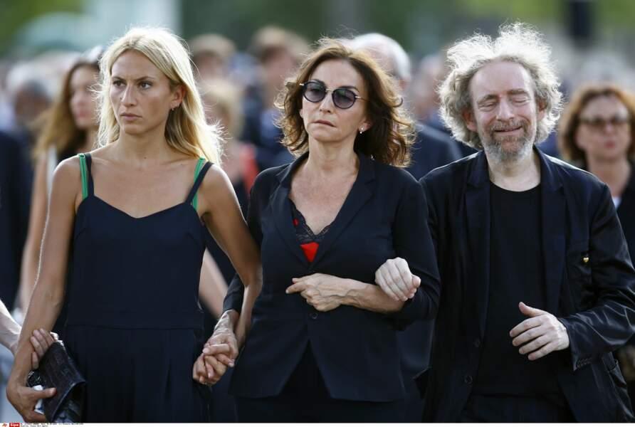 La fille de Sonia Rykiel, Nathalie, au centre, son autre fille Lola à gauche, et son fils Jean-Philippe Rykiel