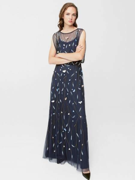 Tenue de soirée : la robe longue brodée