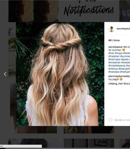 Coiffure de mariage pour cheveux longs : l'enroulé ondulé