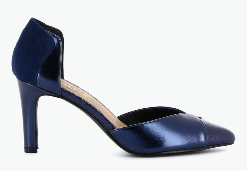 Chaussures de soirée : les escarpins bleus