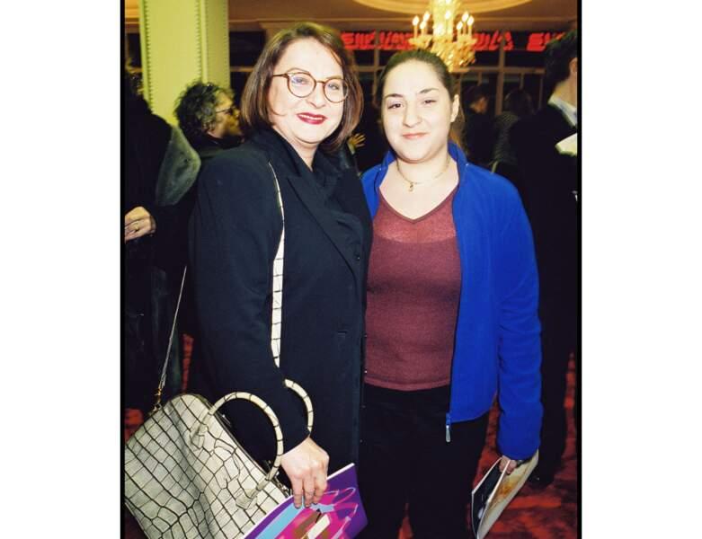 Josiane Balasko et sa fille en 2000 : elles ont respectivement 50 et 17 ans