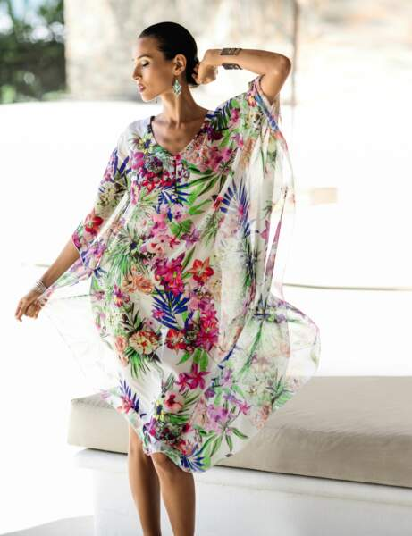 Robe de plage fleurie