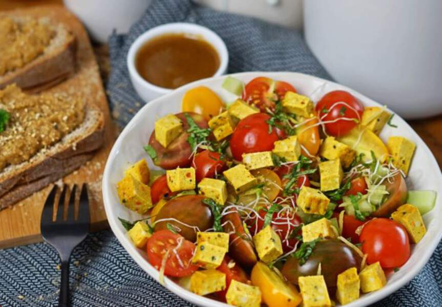 Salade de tomates cerises et tofu