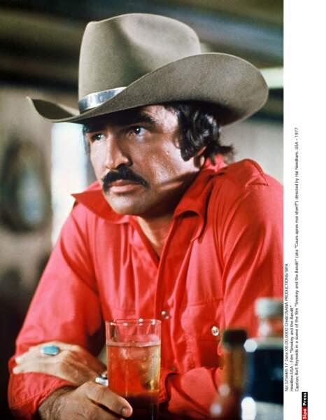 Burt Reynolds dans Cours après moi shérif