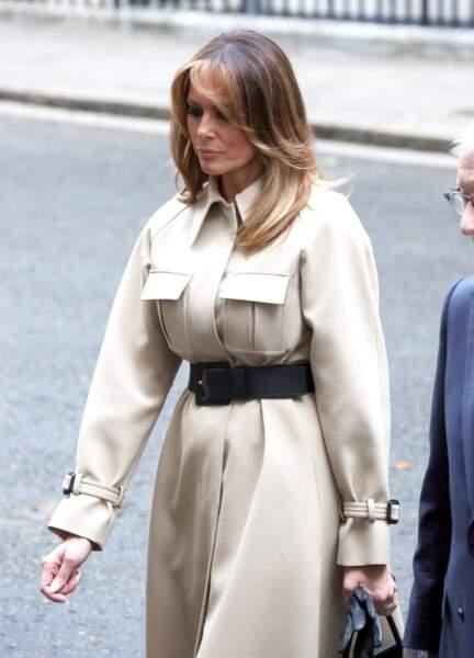 Melania Trump se rattrape avec une tenue canon et so British à Londres !