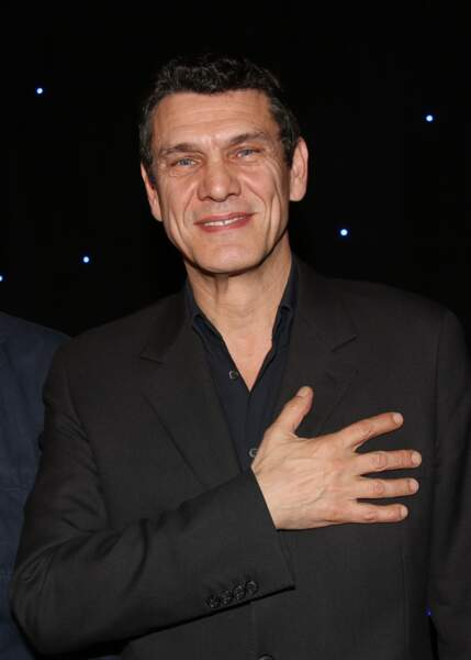 Le chanteur Marc Lavoine inaugure sa statue de cire au Musée Grévin à Paris le 1er février 2016.