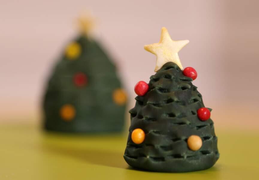 Un sapin de Noël original en pâte à sucre